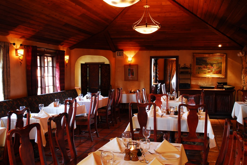 Middle Dining Room 4